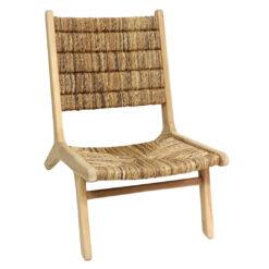 Alege un scaun indraznet din frunze de banana.