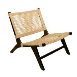 Scaun lounge negru din ratan cu picioare din lemn de teak Rempang