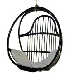 Scaun suspendat negru din ratan Karimun